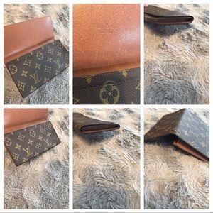 Louis Vuitton Bags - Authentic LV Vintage Porte Yen Cartes